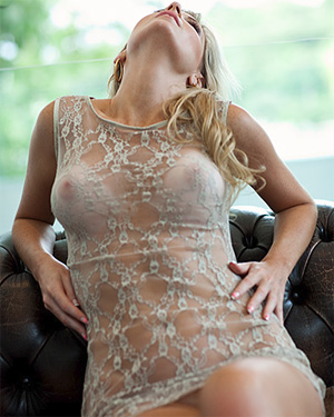 Angelica Woicichoski Nude