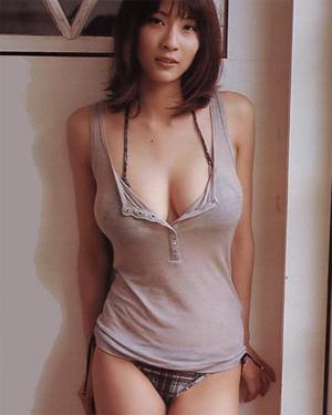 Asana Mamoru Busty Cutie