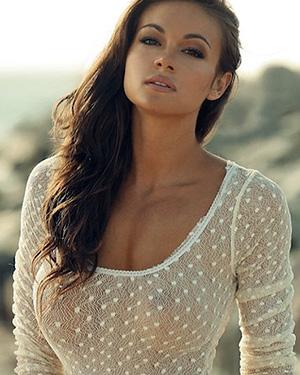 Ashley Ann Vickers busty model