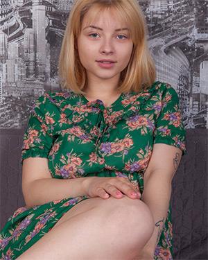 Bianca Yaz Green Dress Cosmid