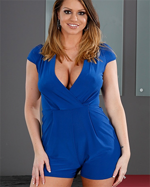 Brooklyn Chase Perfect Outfit for Tits