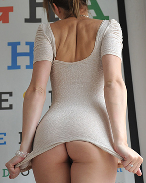 Chloe Smith Tight Shirt No Panties Girlfolio