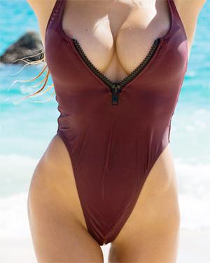 Dani Mathers Perfect Beach Body