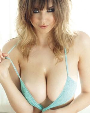Danielle Sharp Beauty and Boobs