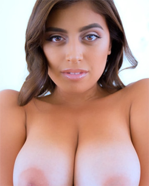 Ella Knox Titty Run Screwbox Video