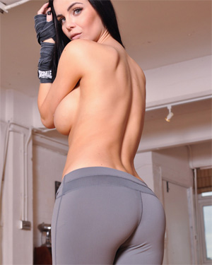 Emma Glover Boxing Star