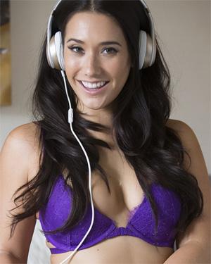 Eva Lovia Sexy Beats