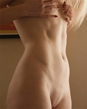 Freda Motten Naked Ballerina Zishy