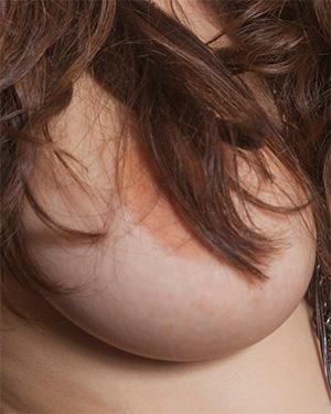Hailee Fox more topless pics