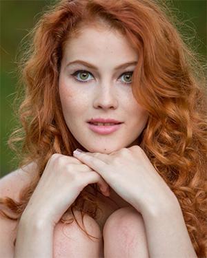 Heidi Romanova Extremely Attractive Redhead