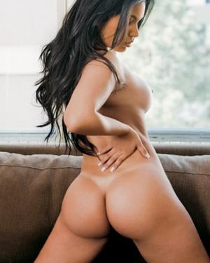 Juliana Araujo Latin Beauty
