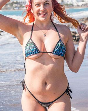 Kara C Peachy Real Bikini Girls