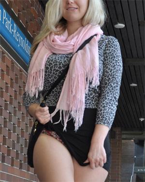 Kate Winn Pussy Play in Public