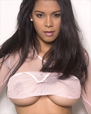 Kendra Roll Loves To Wear Lingerie