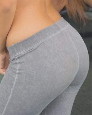 Kiara Lorens Sexy Gym Watch4Beauty