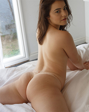 Kylie Quinn Laying Around Naked Zishy