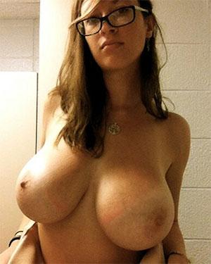 Lana Kendrick Nude Selfies