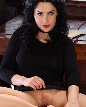 Lilly Black Dress Intern