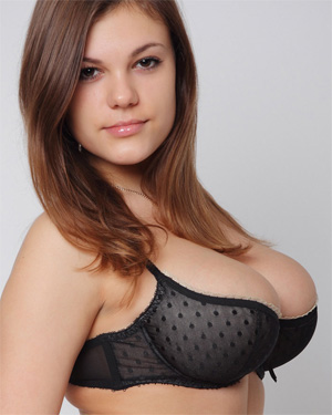 Lora N Busty Newcomer