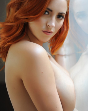 Lucy Vixen Boobs On Glass