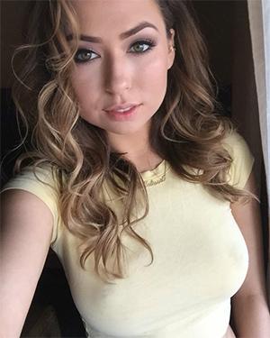 Melissa Moore Sexy Model