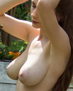 Penni Nude Garden