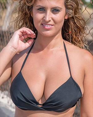 Sarah P Real Bikini Girls