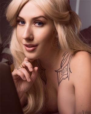 Solara Geek Goddess Cosplay