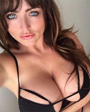 Sophie Dee Maid Service Selfies