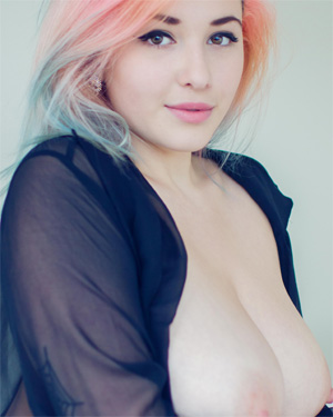 Sophoulla Pastel Busty Beauty Suicidegirl