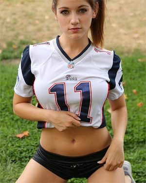Stella Xo Football Babe