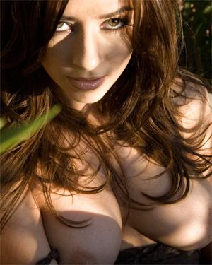 Taylor Vixen Sunlight StripLVGirls