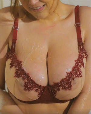 Tessa Fowler Glorious Bath Video