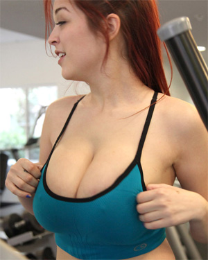 Tessa Fowler Topless In The Gym