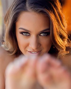 Uma Jolie Shows Off Her Lean Body