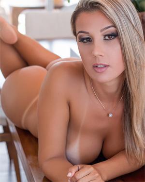Vanessa Vailatti Nude Brazilian Model