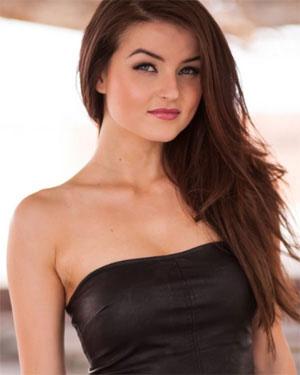 Veronica Lavery Cute Brunette Playmate