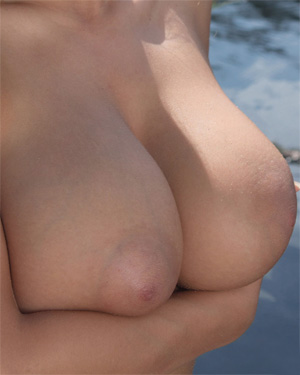 Vanea H Nude In Nature