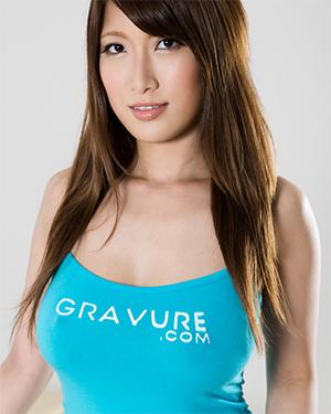 Yume Mitsuki Busty Girl Naked Massage