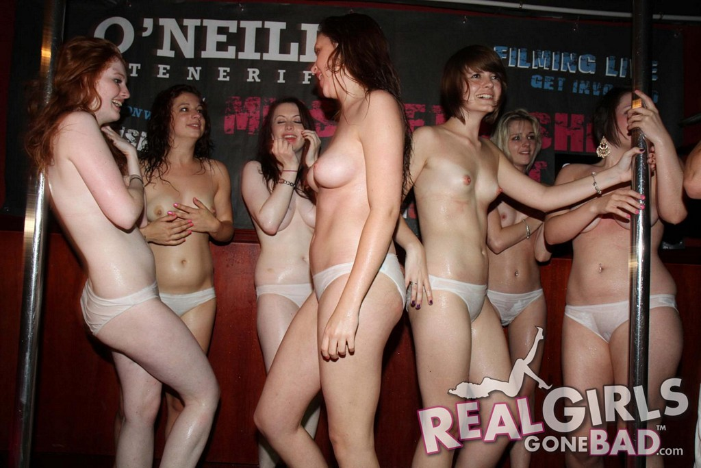 Laura prepon nipples nude